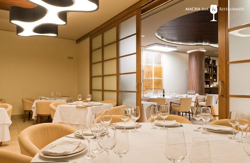 Macha bar y restaurante rufo iluminaci n for Plafones exterior iluminacion